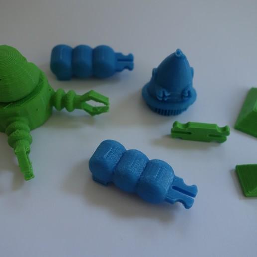 Download free 3D printing templates Vintage Robot style planet forbidden, UnCreateur