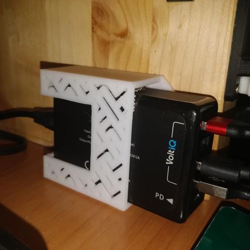 Download free 3D printing files USB Hub Flat Charger Table / Wall Mount, Kliffom