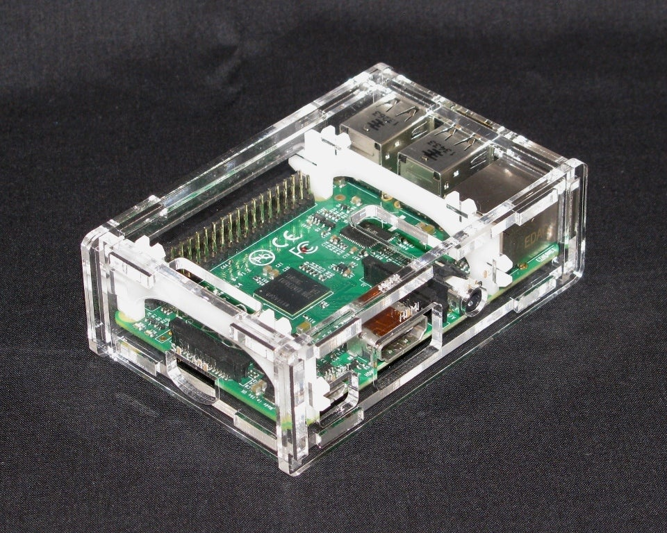IMG_4295.jpg Download free STL file Raspberry Pi B+ Case • Model to 3D print, Gaygwenn