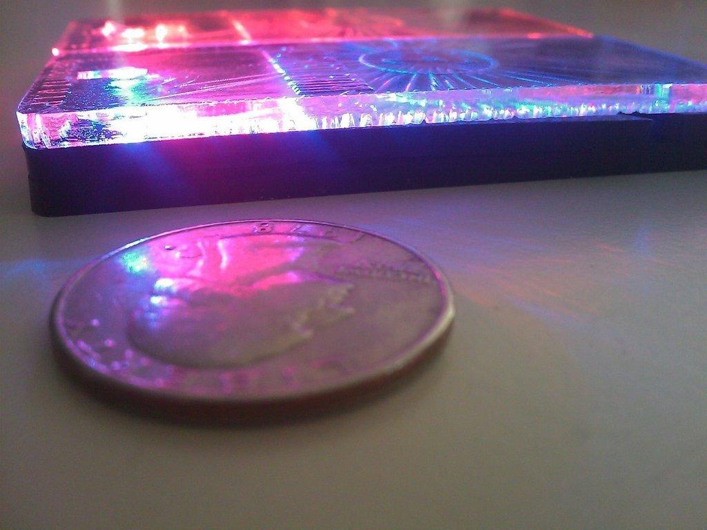 IMAGE_021_display_large.jpg Télécharger fichier STL gratuit Porte-clés / Porte-clés à LEDs lumineux avancés • Modèle à imprimer en 3D, Gaygwenn