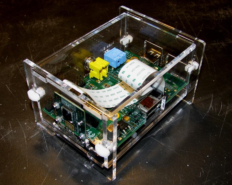 IMG_3967.jpg Télécharger fichier STL gratuit Étui pour appareil photo Raspberry Pi • Objet à imprimer en 3D, Gaygwenn