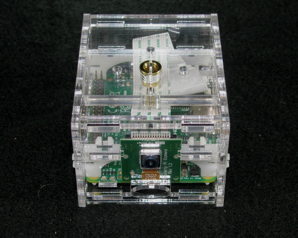 IMG_4751.JPG Télécharger fichier STL gratuit Appareil-photo Pi A+ de framboise de framboise • Objet pour impression 3D, Gaygwenn