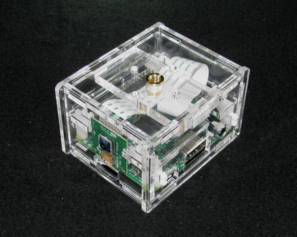 IMG_4742.JPG Télécharger fichier STL gratuit Appareil-photo Pi A+ de framboise de framboise • Objet pour impression 3D, Gaygwenn