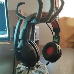 2.jpg Télécharger fichier 3MF Support pour écouteurs d'Halloween • Modèle à imprimer en 3D, ryanmaicol