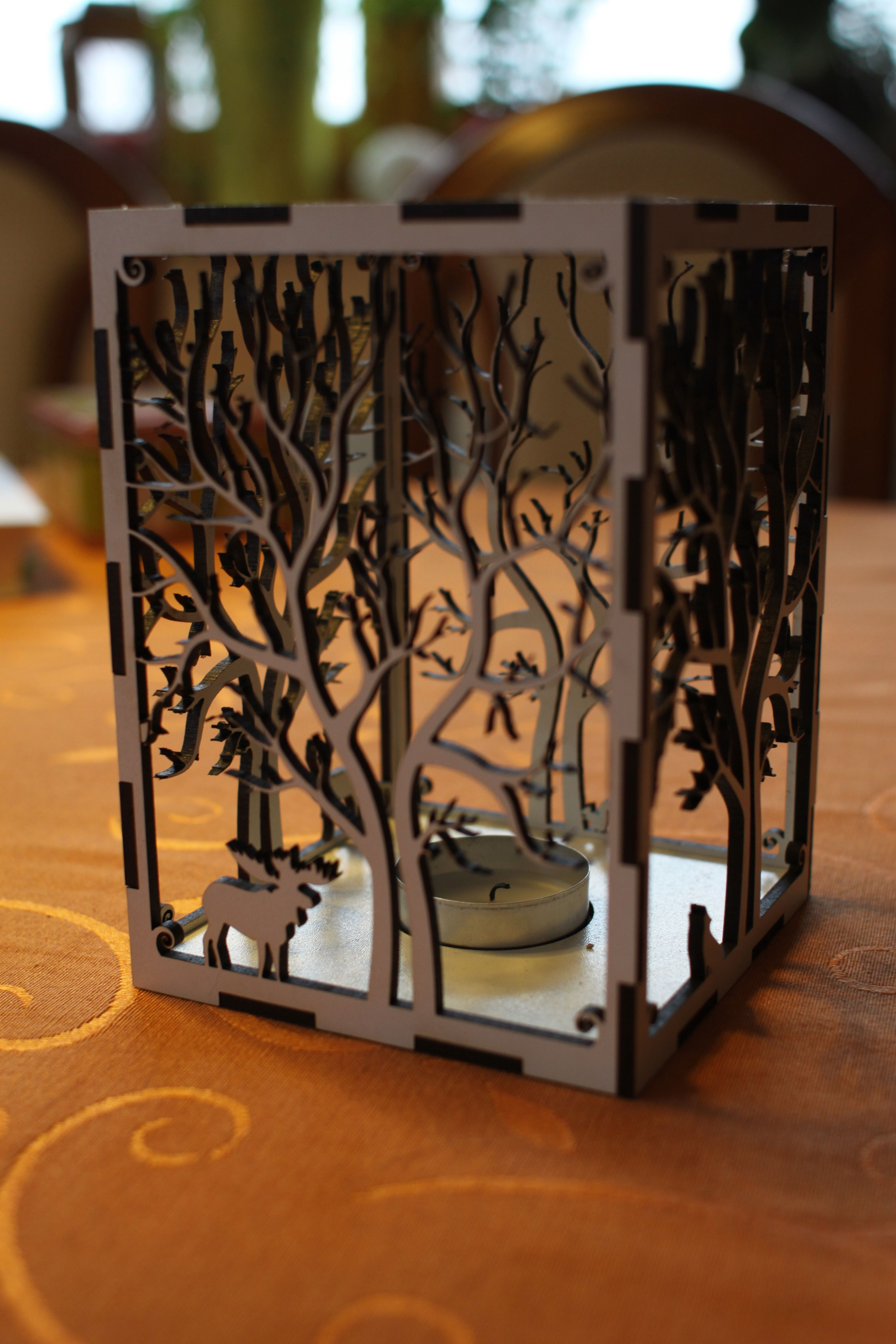 IMG_0731.jpg Télécharger fichier STL gratuit bougeoir bougeoir découpe laser Arbre & Animaux en bois bois présent bougie thé • Plan pour impression 3D, Urgnarb