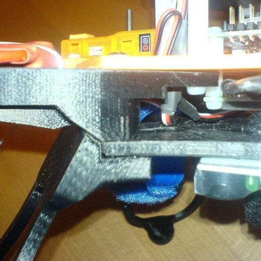 "DSC01169.jpg Download free STL file Flexible Landing Gear for Quadcopter ""Crossfire"" [deprecated] • Object to 3D print, Urgnarb"