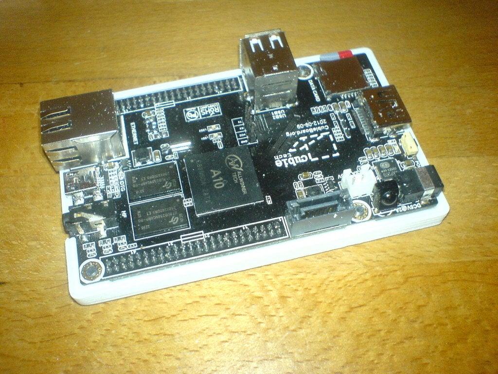 DSC01132.jpg Télécharger fichier SCAD gratuit Générateur de cas universel avec exemple de cas pour Cubieboard • Modèle imprimable en 3D, Urgnarb