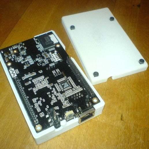 DSC01131.jpg Télécharger fichier SCAD gratuit Générateur de cas universel avec exemple de cas pour Cubieboard • Modèle imprimable en 3D, Urgnarb