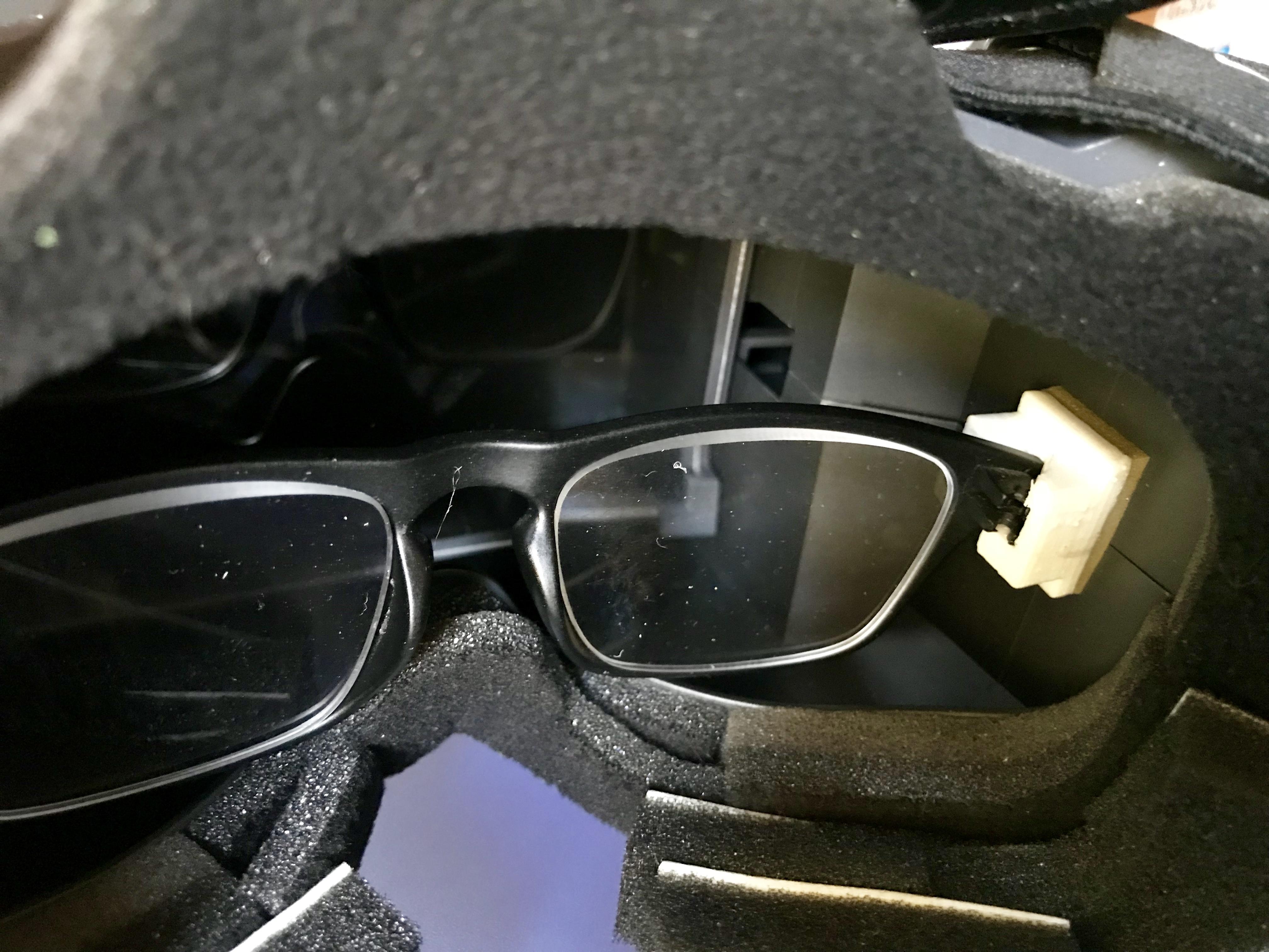 IMG_4746-FullSizeRender.JPG Download free OBJ file Soporte para gafas para el Quanum Cyclops (Y similares) y otros accesorios • 3D printer model, PaulDrones