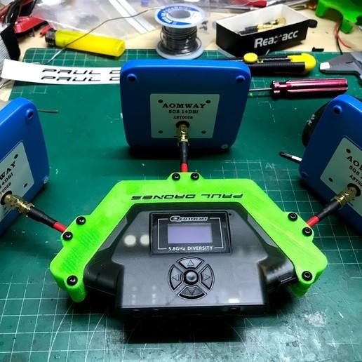 "tapas_puestas_con_pach.jpg Download free OBJ file Quanum ""Triversity"" Refuerzo para antenas • 3D printer object, PaulDrones"