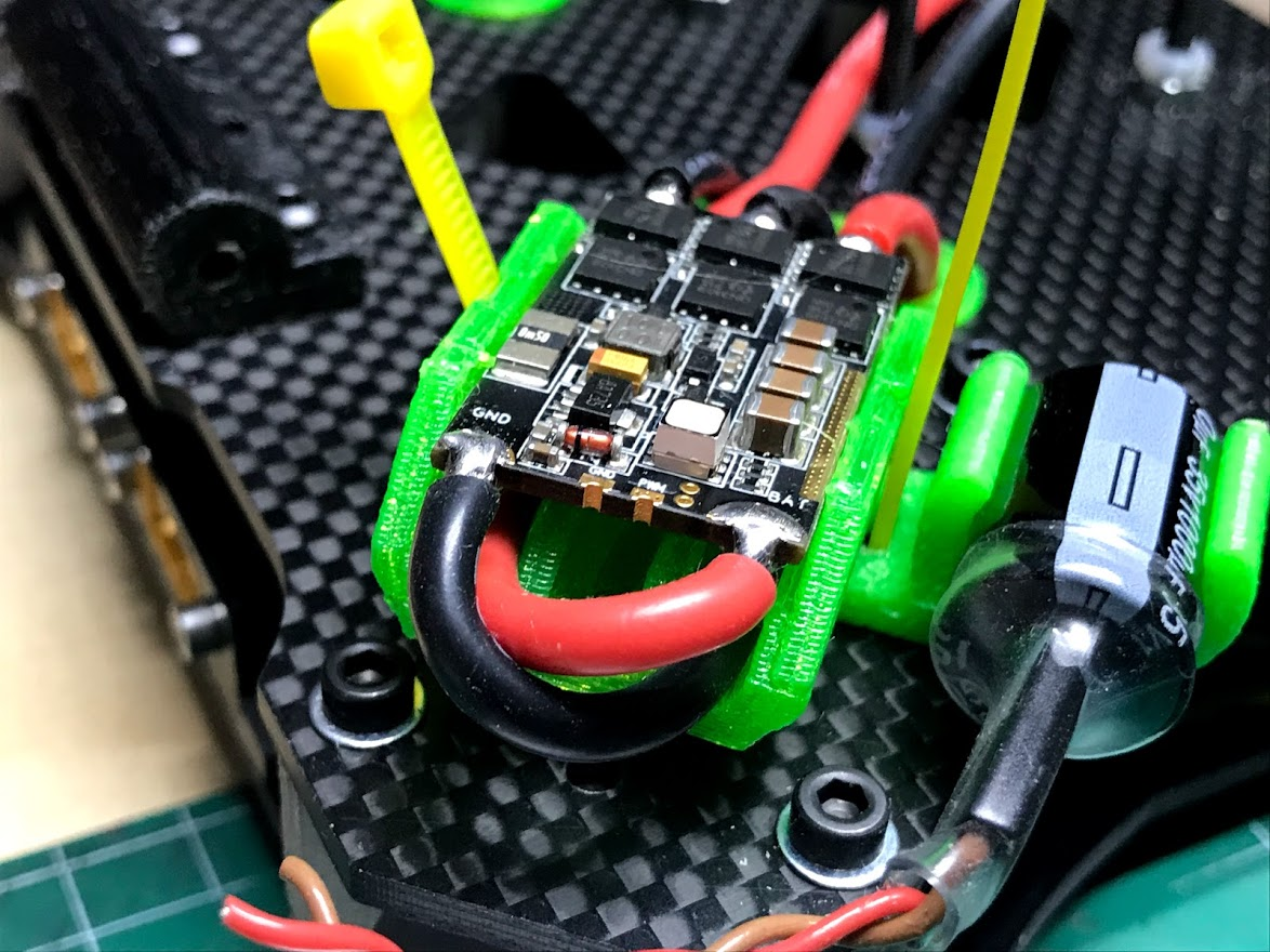 IMG_6397.jpg Télécharger fichier OBJ gratuit Classe X, Utilaje para soldar cables al ESC • Plan pour impression 3D, PaulDrones