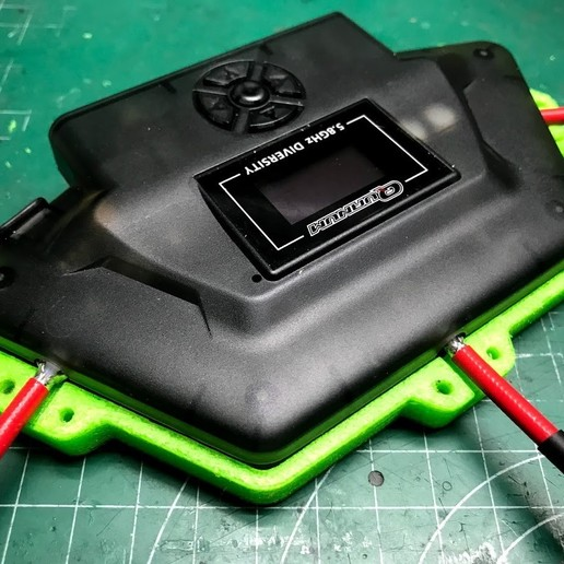 "tapa_inferior_puesta.jpg Download free OBJ file Quanum ""Triversity"" Refuerzo para antenas • 3D printer object, PaulDrones"
