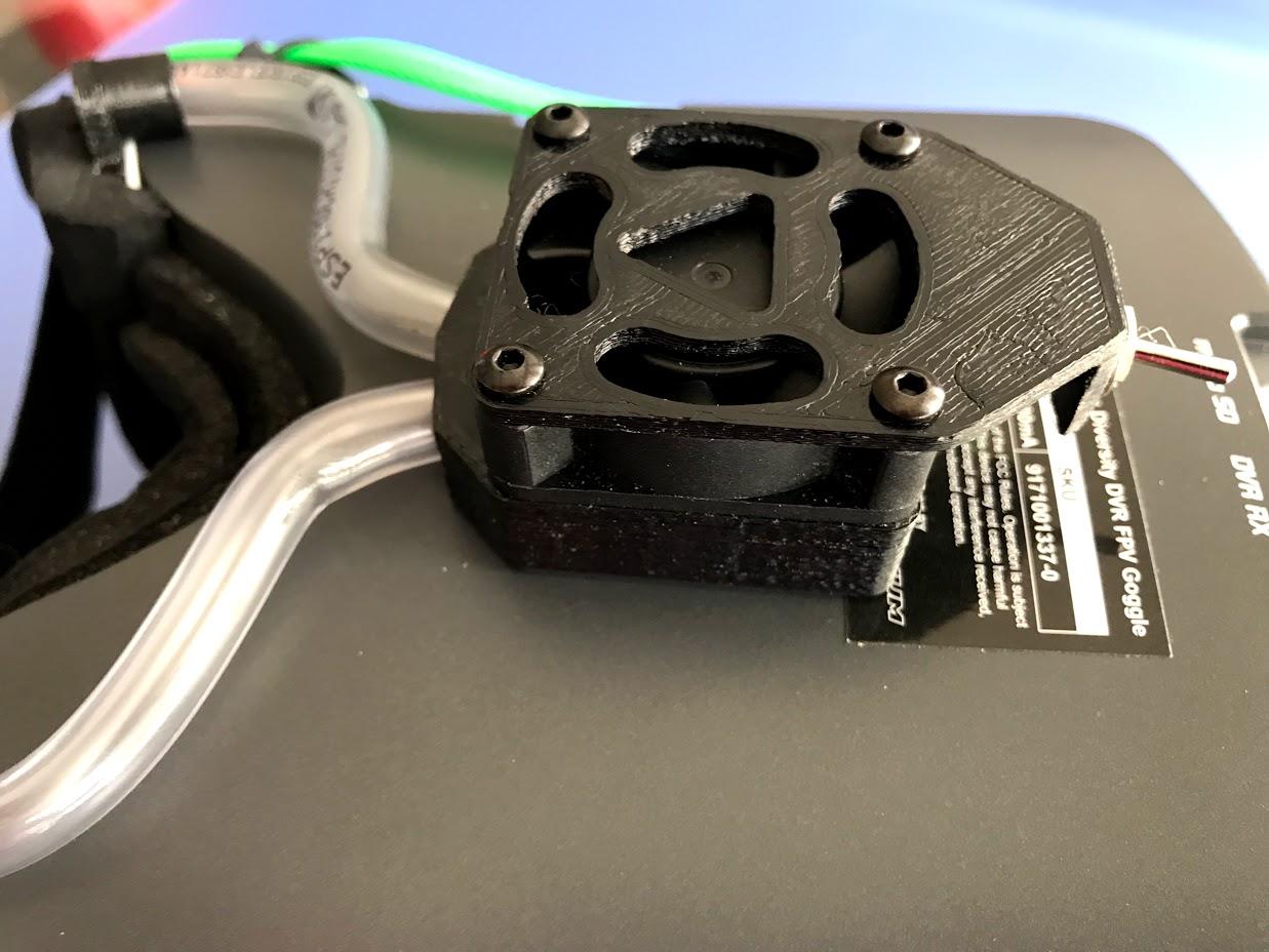"""IMG_5860.jpg Télécharger fichier OBJ gratuit Ventilateur pour casque antibuée """"Ventilador Antivaho"""". • Modèle à imprimer en 3D, PaulDrones"""