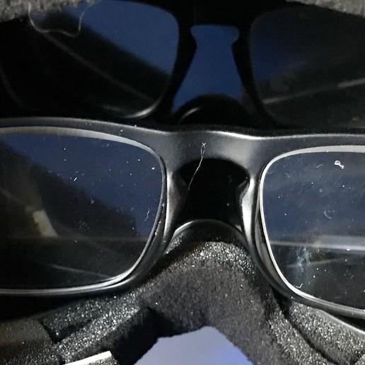 IMG_4745-FullSizeRender.JPG Download free OBJ file Soporte para gafas para el Quanum Cyclops (Y similares) y otros accesorios • 3D printer model, PaulDrones
