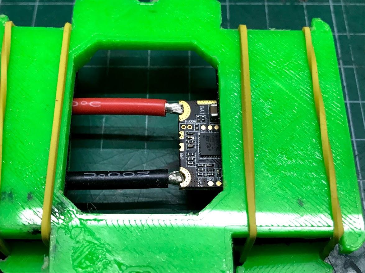 IMG_6385.jpg Télécharger fichier OBJ gratuit Classe X, Utilaje para soldar cables al ESC • Plan pour impression 3D, PaulDrones