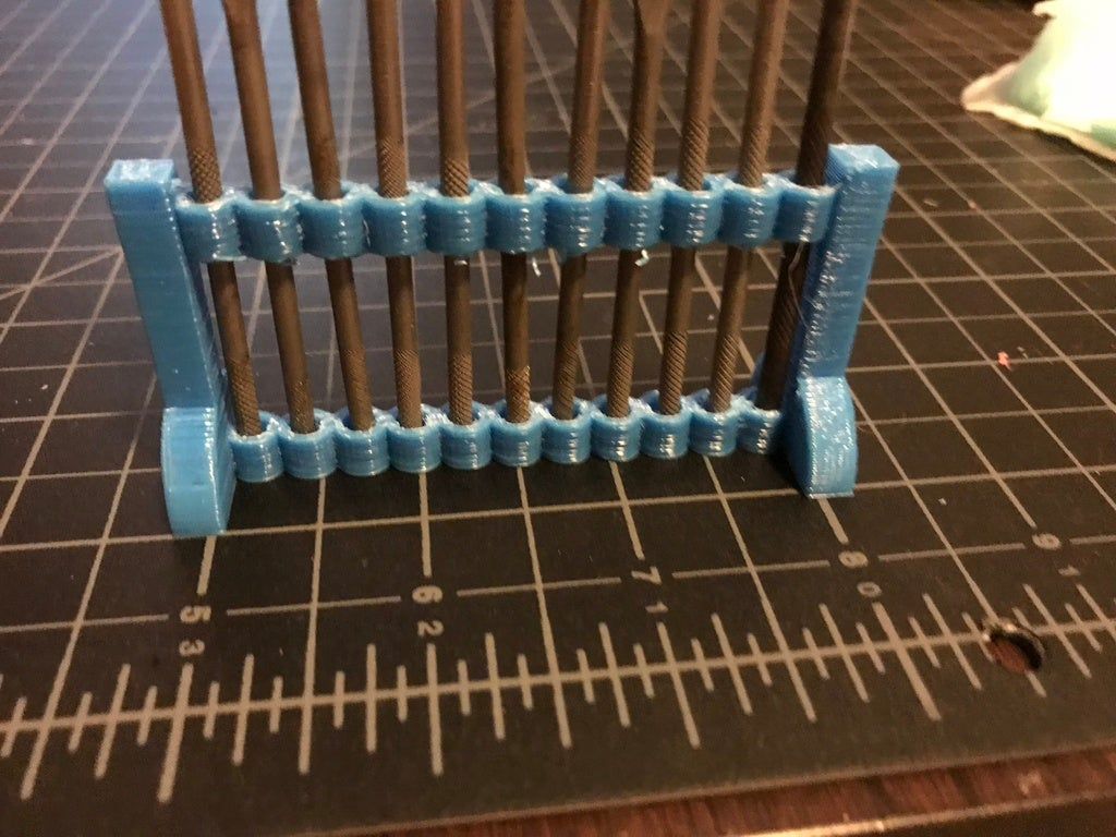 IMG_2946[1.JPG Download free STL file File Holder • 3D printing model, MakerMathieu