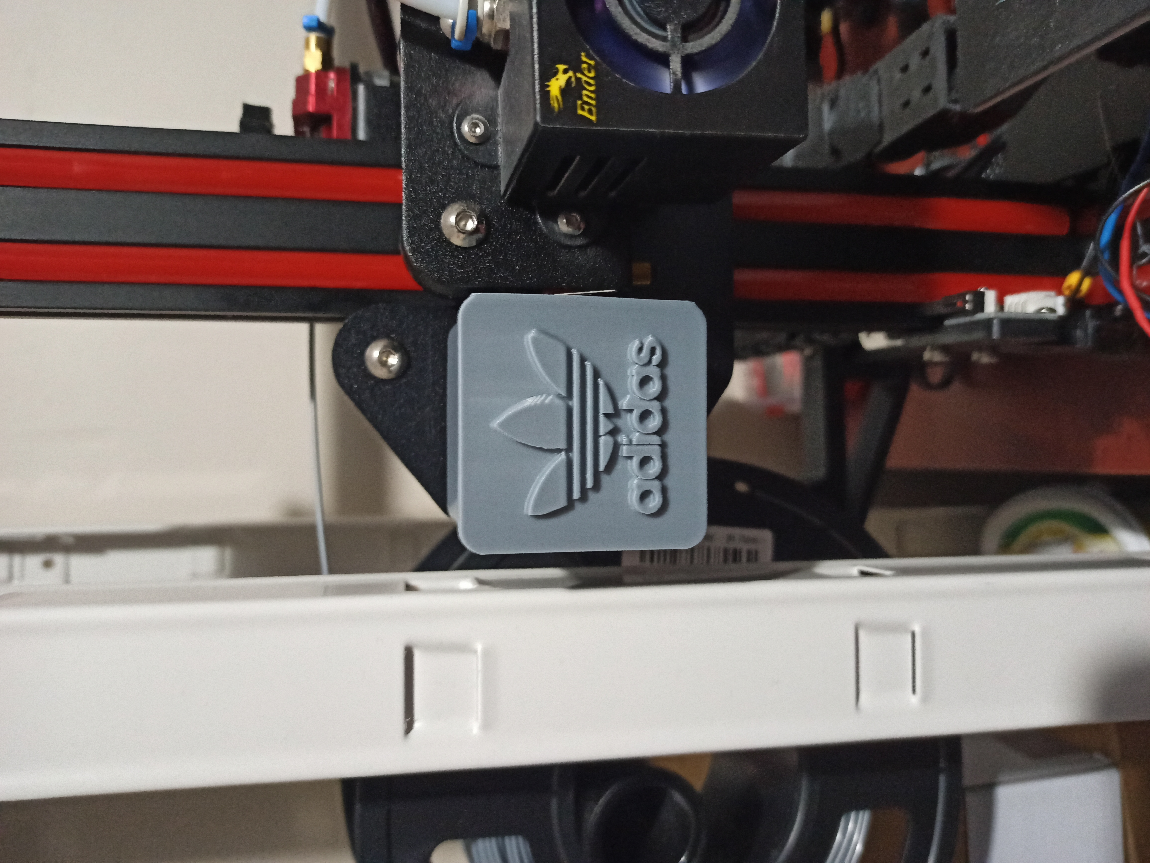 IMG_20200114_210737.jpg Download free STL file Ender 3 QR cover X-axis Adidas • 3D printable model, adriencorbel538