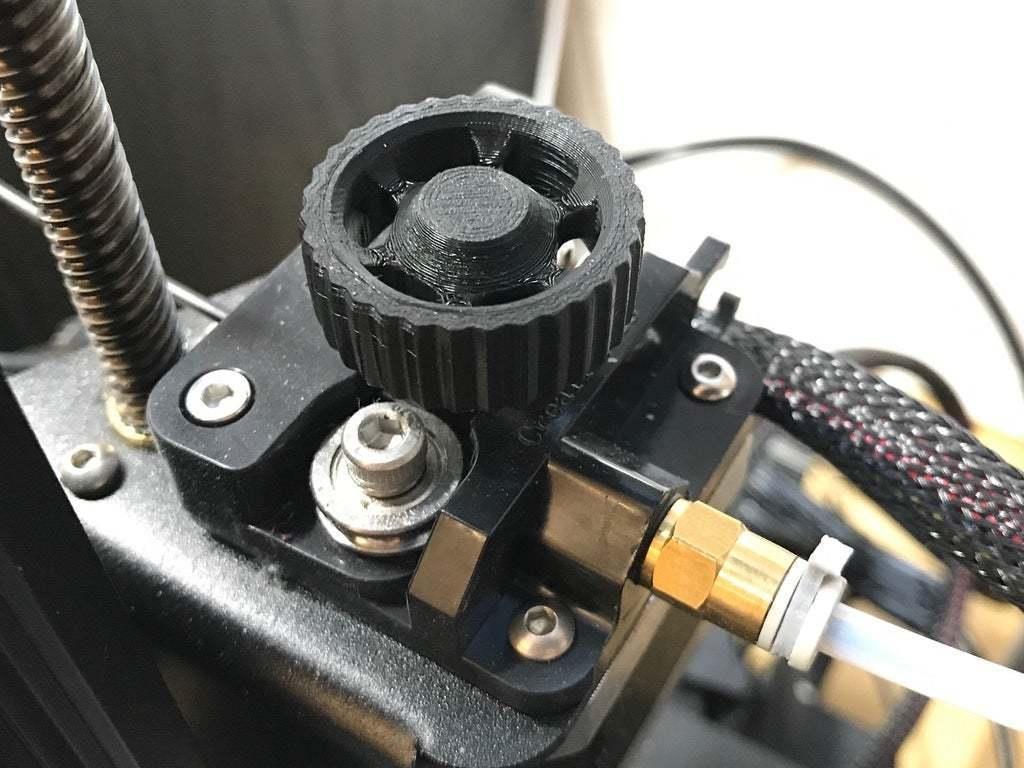 IMG_3211.jpg Télécharger fichier STL gratuit YAEEK - Encore un autre bouton d'extrudeuse Ender (27mm de diamètre) • Plan pour impression 3D, da_syggy