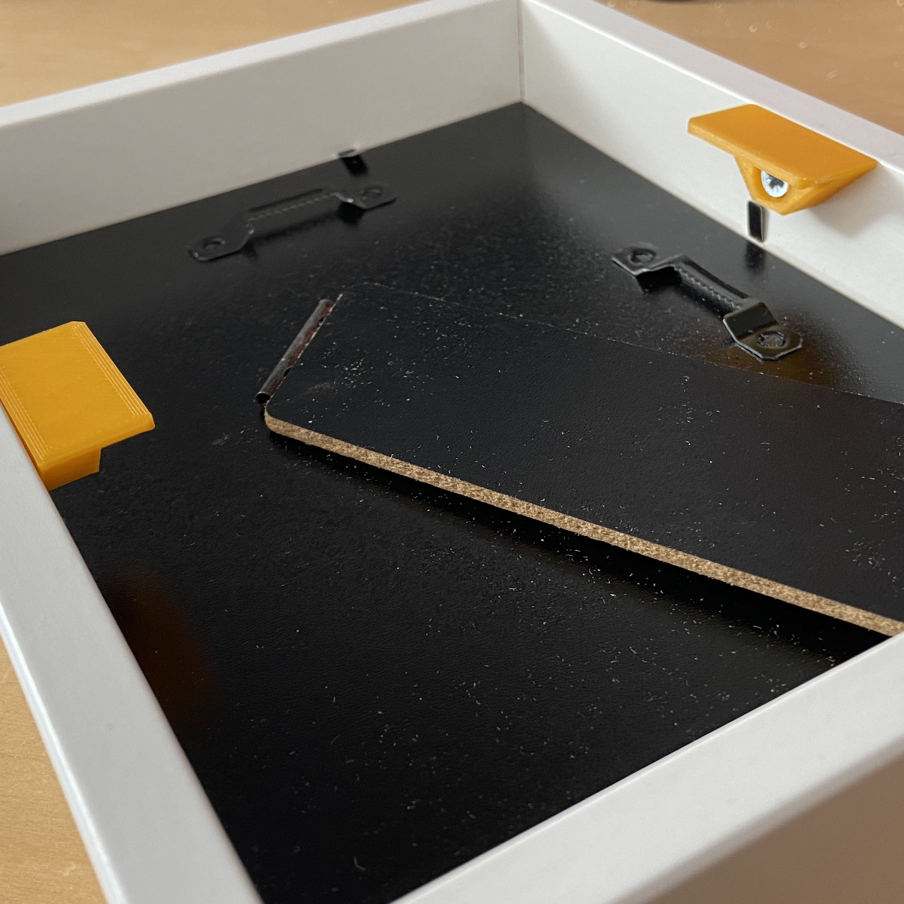 IMG_5931.JPG Download STL file Picture frame mounting system • Design to 3D print, da_syggy