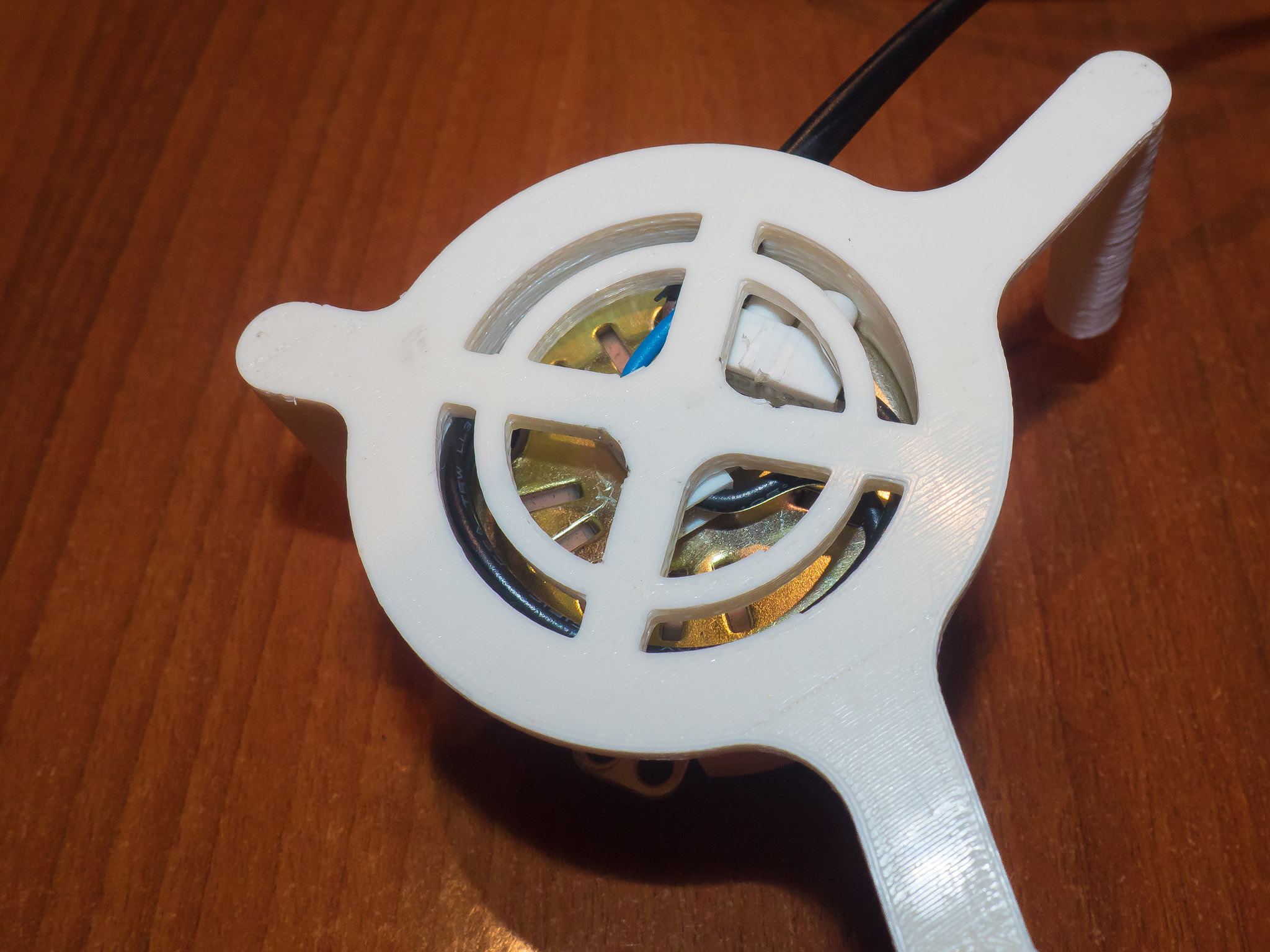 AMF00012-LR_Fin.jpg Download free STL file Motorized TurnTable with microwave motor • 3D printer object, dancingchicken