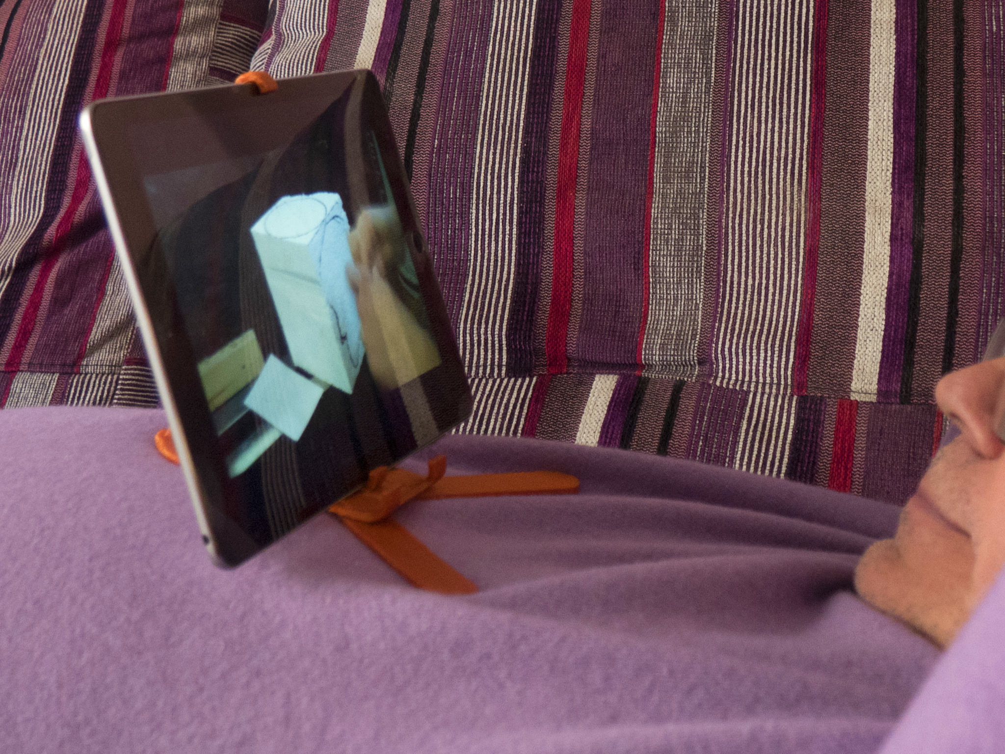 F07.jpg Download free STL file Adjustable Belly Tablet Stand • 3D printable template, dancingchicken