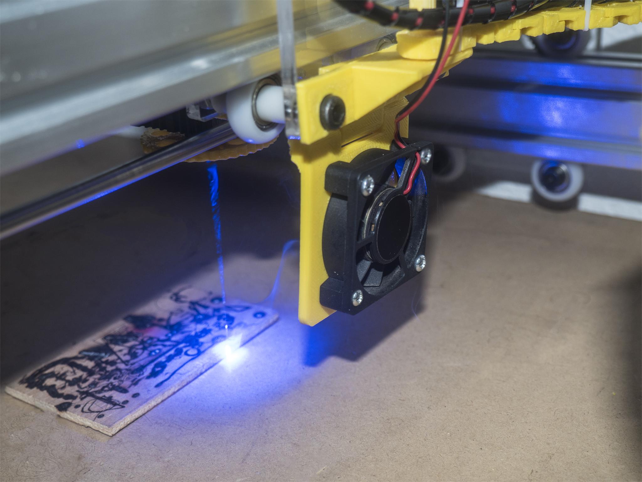 PB290040.jpg Download free STL file Laser Fume Blower support • 3D printing template, dancingchicken