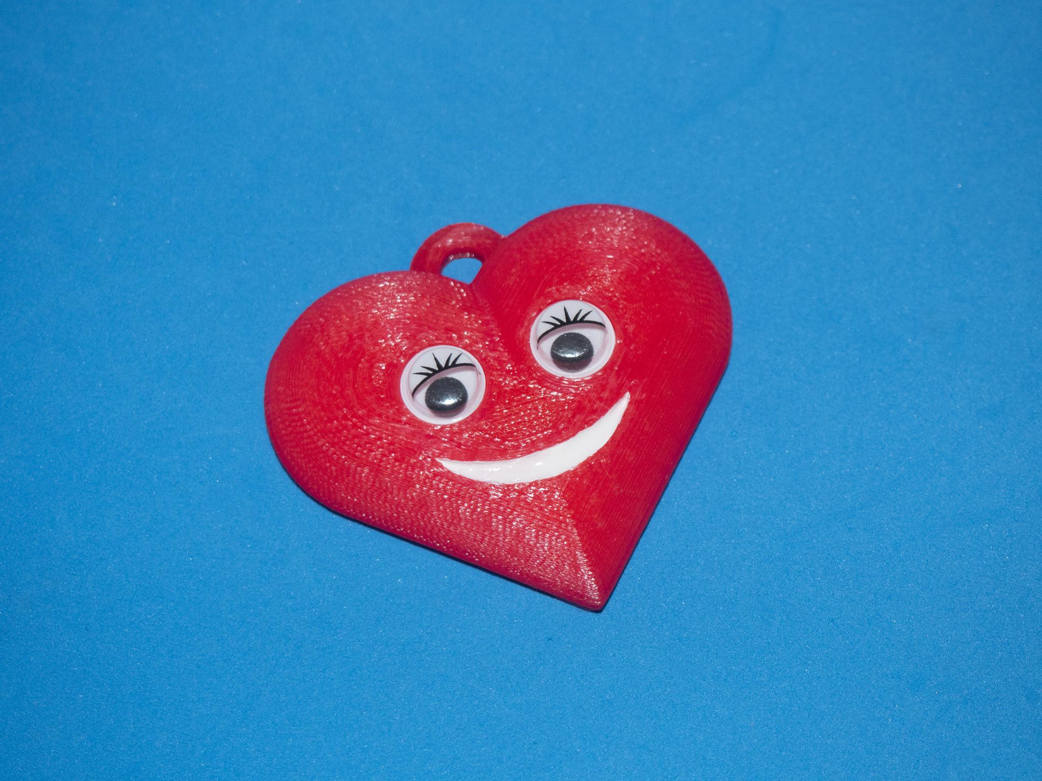 P1010002.jpg Download free STL file Smiling Heart Key chain • 3D printer template, dancingchicken