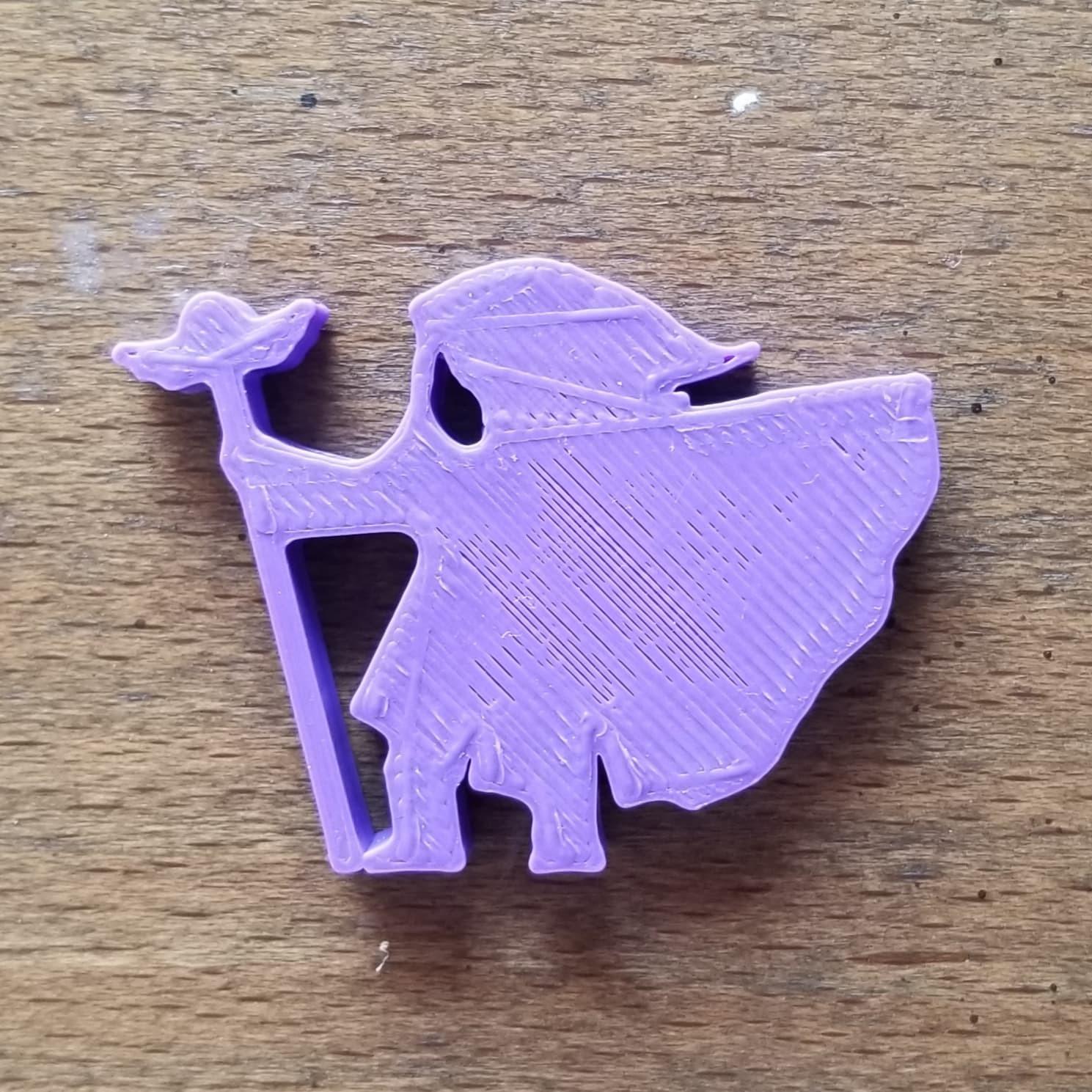 Heavy Cloak Winged Staff.jpg Download STL file Heavy Cloak Wizard With Winged Staff Meeple • Template to 3D print, Ellie_Valkyrie