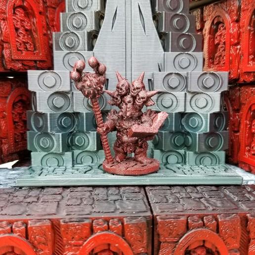 Surt-Sworn Sorceror With Book.jpg Download STL file Surt-Sworn Dwarf Sorcerer • 3D printable template, Ellie_Valkyrie