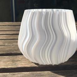 Descargar diseños 3D Vase ondulada, MNDLK
