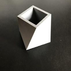 Descargar Modelos 3D para imprimir gratis Macetero minimalista para casa u oficina, QBKO