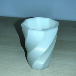 IMG_20200227_001737.jpg Download STL file eight-sided spiral polygon pen • 3D printer model, fuchoh3