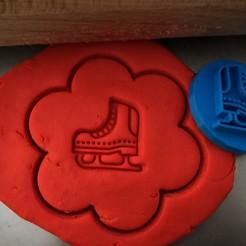 11 11.jpg Download STL file Cookie stamp + cutter -  Ice skate • 3D print object, Tvoritko