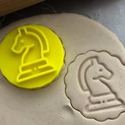 šachový kun2.jpg Télécharger fichier STL Timbre à biscuit + cutter - Cheval d'échecs • Plan pour impression 3D, Tvoritko