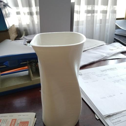 Descargar diseños 3D Vaso con forma irregular, sebasram92