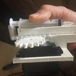 IMG_2263.jpeg Download STL file Syringe Mover • 3D print template, R0b0tn1k