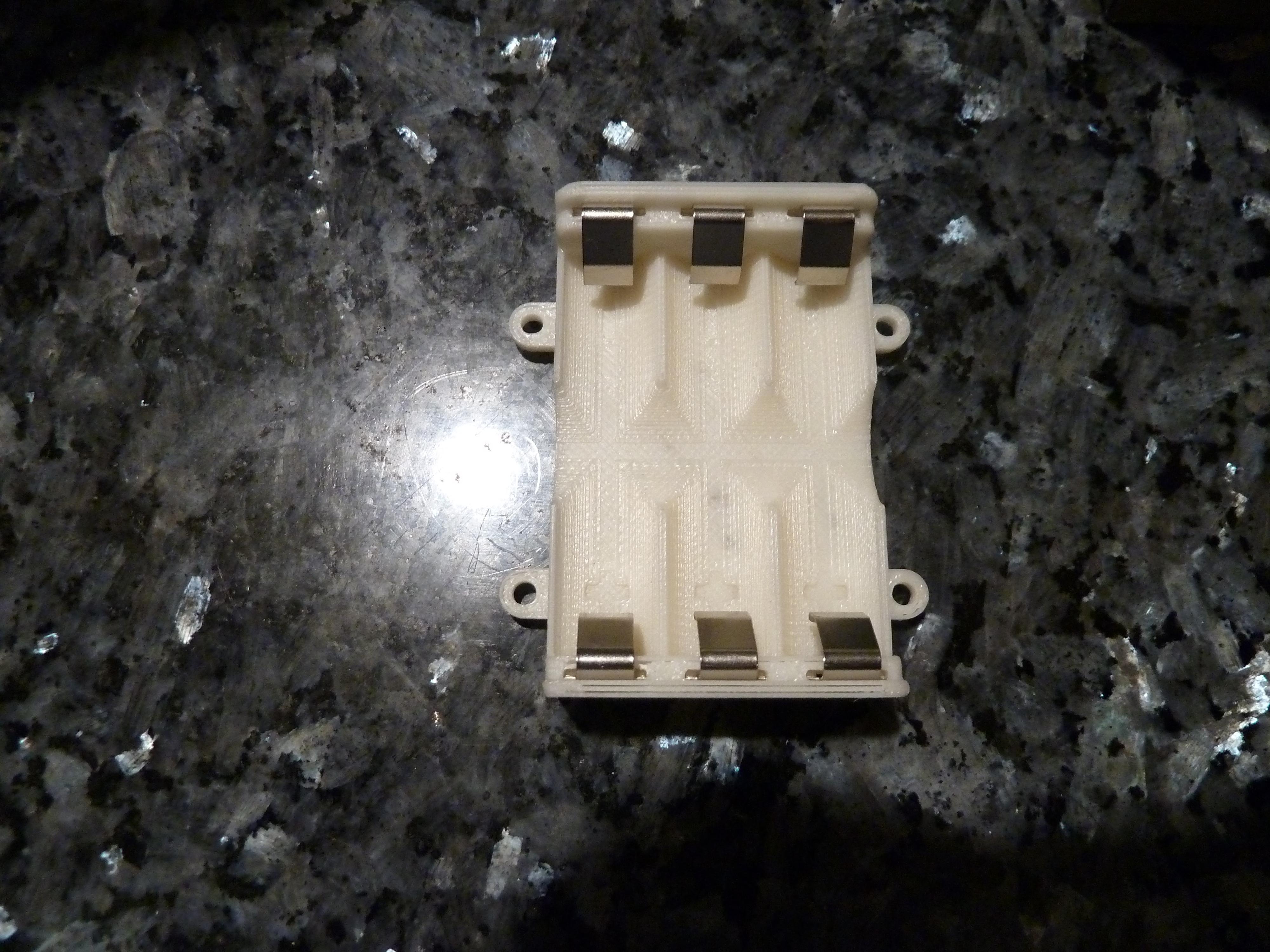 P1020162.JPG Télécharger fichier STL gratuit Mon boîtier de piles sur mesure pour 3x piles AA • Modèle pour imprimante 3D, Jangie