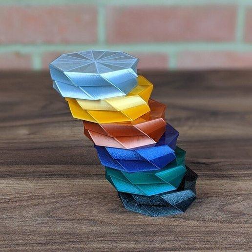 octo-twist-trinket-box-geeetech-prusament-colours.jpg Download free STL file Octo Twist Trinket Box • Template to 3D print, printerthinker