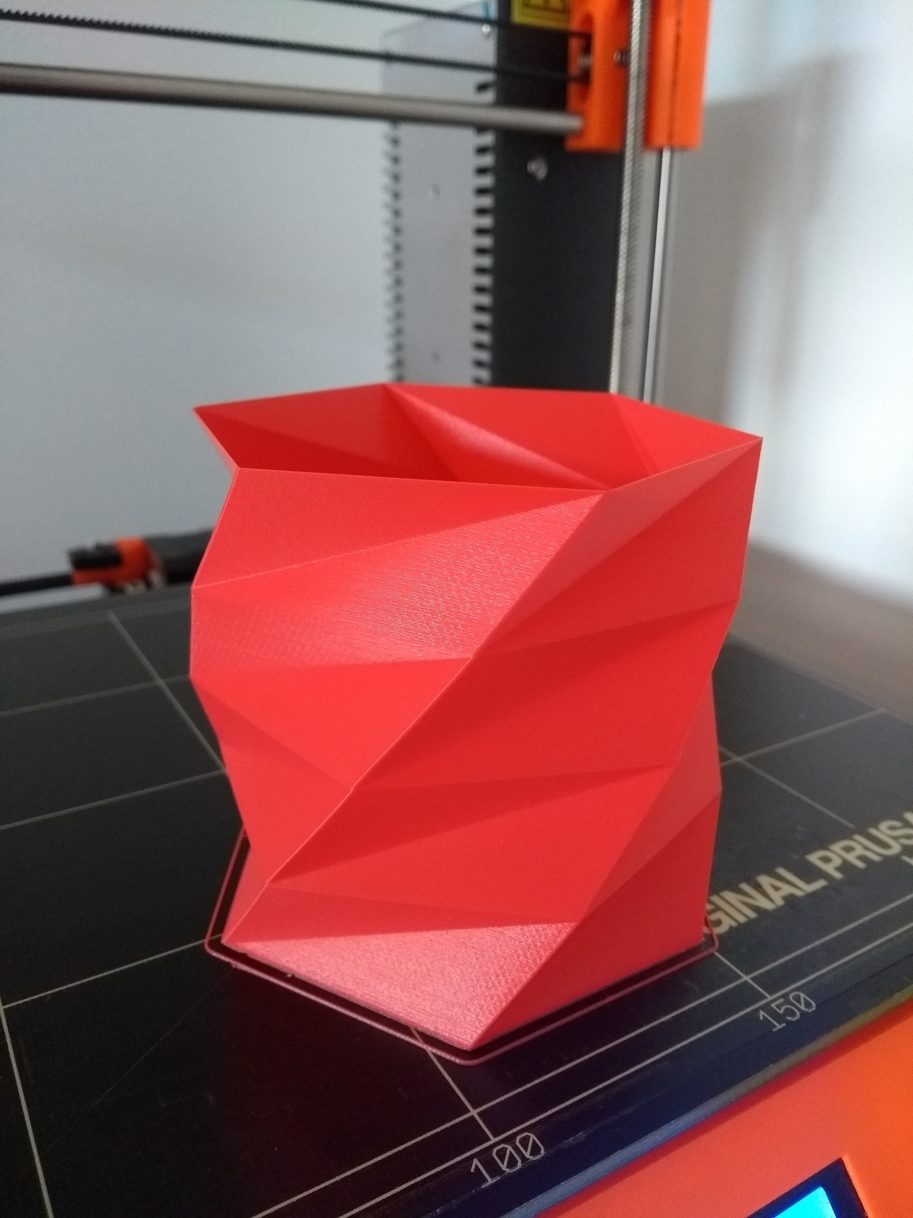 2020-01-11_16.14.45.jpg Download free STL file Poly Low Porta lapiceros - Pen Holder • 3D print model, Centro3D