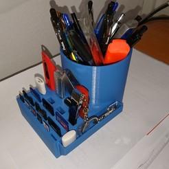 Descargar modelos 3D gratis Lápiz Llave USB, soporte de tarjeta SD, bostjanzdolsek