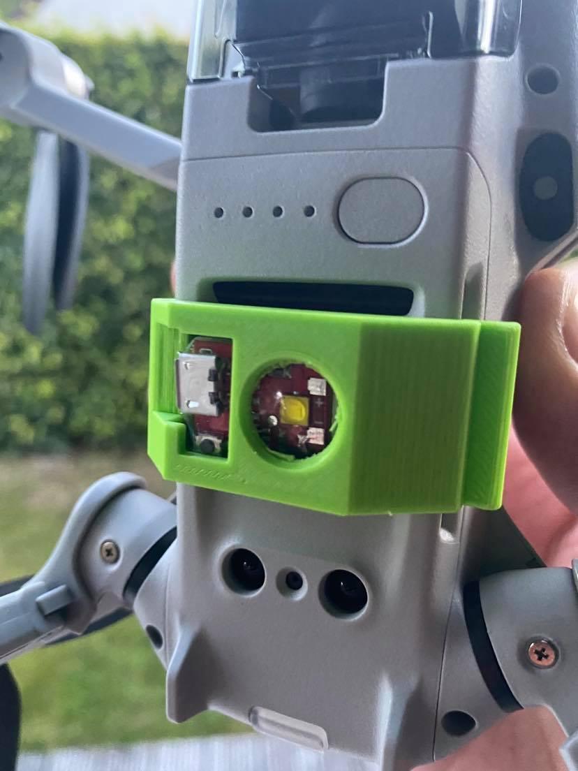 117154470_741955549920618_2427871135902608777_n.jpg Download free STL file Led Houder_DJI mavic mini - Flytron Strobo + USB  • 3D printing template, geertvanmarcke