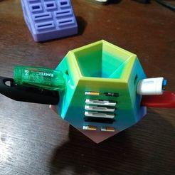 Download free 3D model USB/SD/MicroSD holder, jamitahitajam