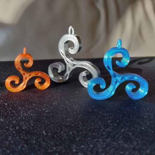 Download STL file Saor band logo triskelion celtic pendant necklace, MarieMaker3D