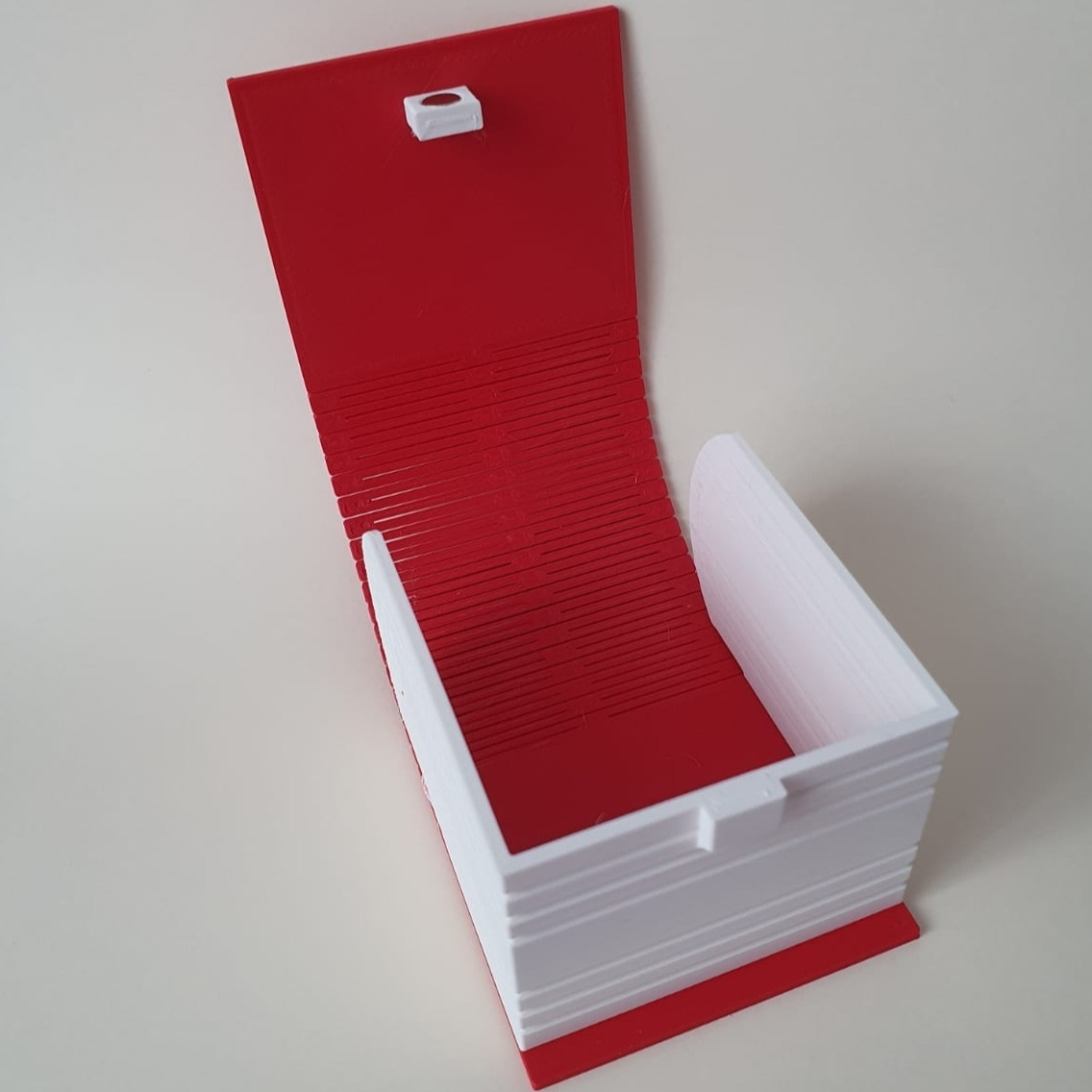 IMG_20201005_174724.jpg Download STL file Living hinge box #1 • Design to 3D print, the-lazy-engineer