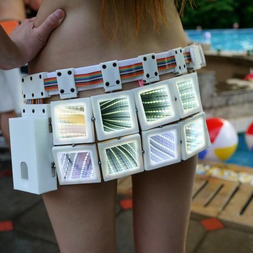 Télécharger modèle 3D gratuit Jupe Infinity (Version Alpha), SexyCyborg