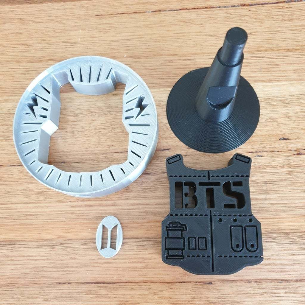 20201016_074833.jpg Télécharger fichier STL gratuit Support pour casque d'écoute BTS • Design pour imprimante 3D, CheesmondN