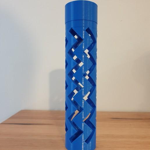 square2.jpg Download free STL file Zigzag pencil case box screw top • 3D printable model, CheesmondN