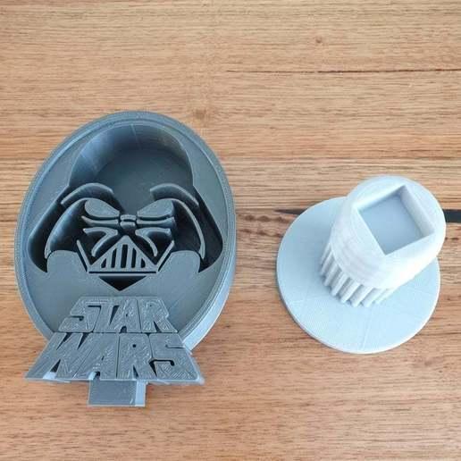 20200704_095829.jpg Télécharger fichier STL gratuit Star Wars Dark Vador - Support pour casque d'écoute • Objet imprimable en 3D, CheesmondN
