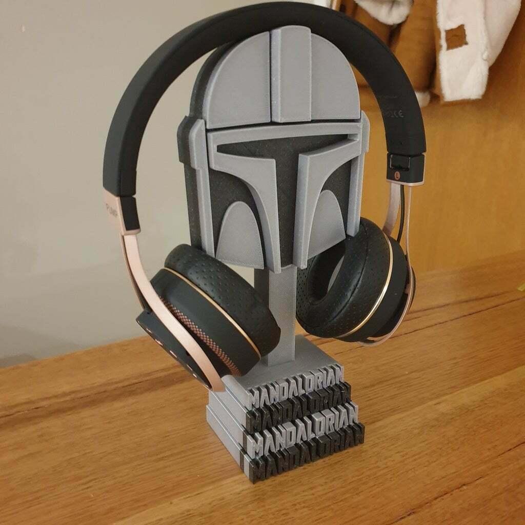 20201226_215416.jpg Download free STL file Mandalorian helmet headphones stand • Template to 3D print, CheesmondN