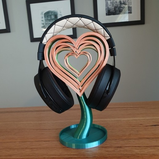 20200820_101646.jpg Télécharger fichier STL gratuit Support ou ornement pour casque d'écoute Love Hearts • Design pour imprimante 3D, CheesmondN